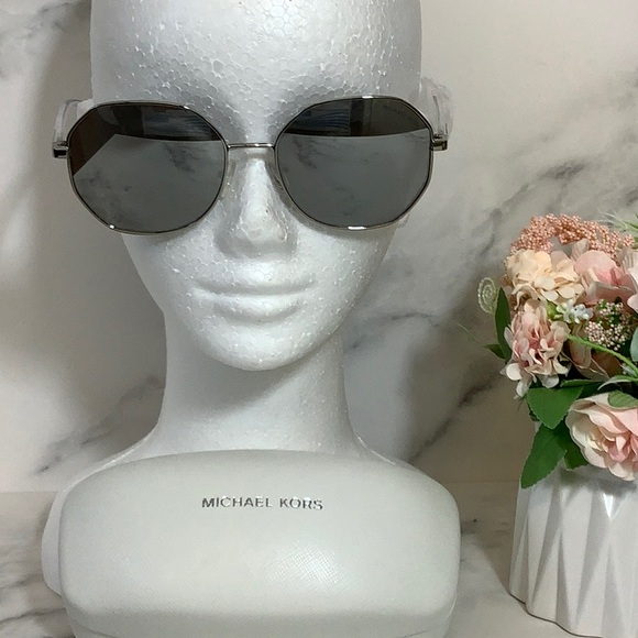 New Michael Kors Oahu Sunglasses Crystal